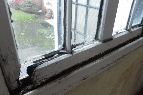 Sash window full restoration (before)