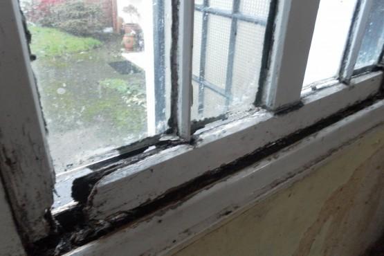 Sash window full restoration (before)